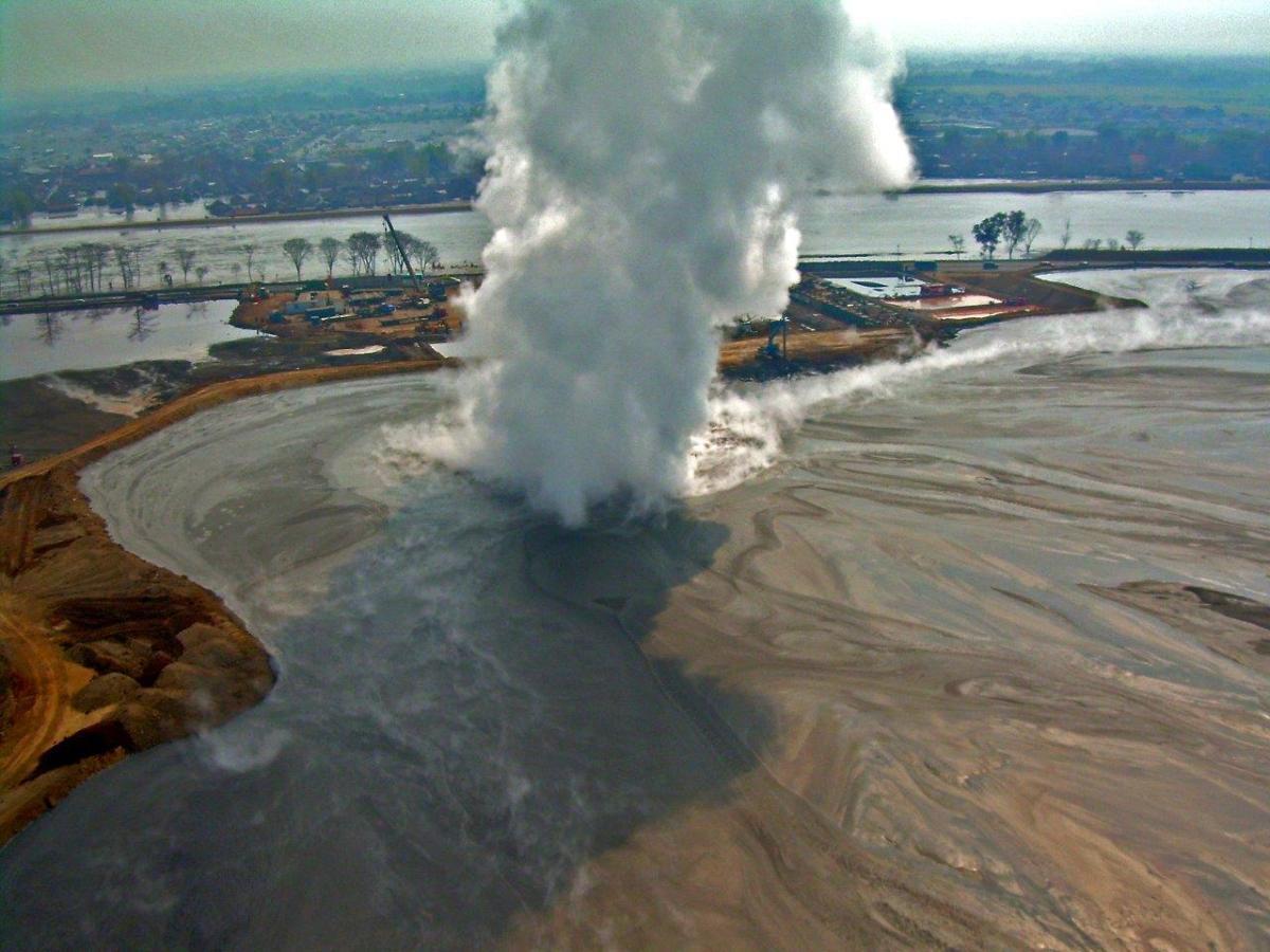 Volcan-1-lusi6